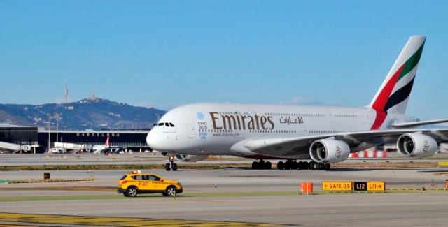 Avión A380 de Emirates, en el aeropuerto de Barcelona
