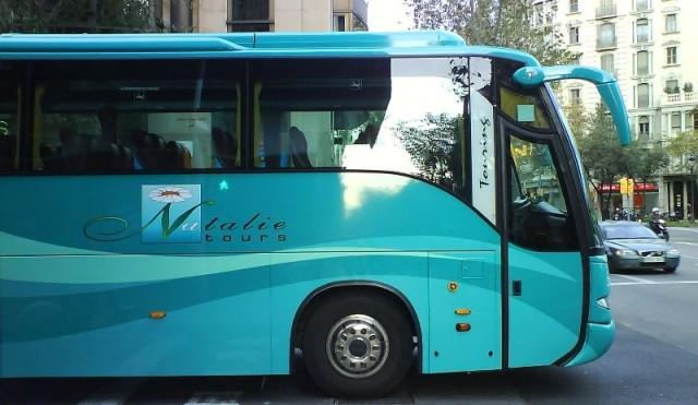 Un autocar del turoperador Natalie Tours en Barcelona
