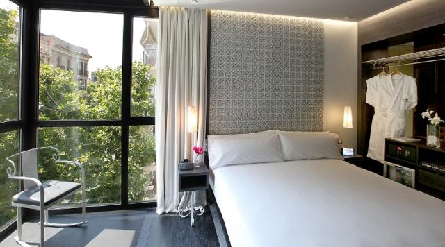Una de las habitaciones del nuevo hotel de la cadena Axel en Barcelona.