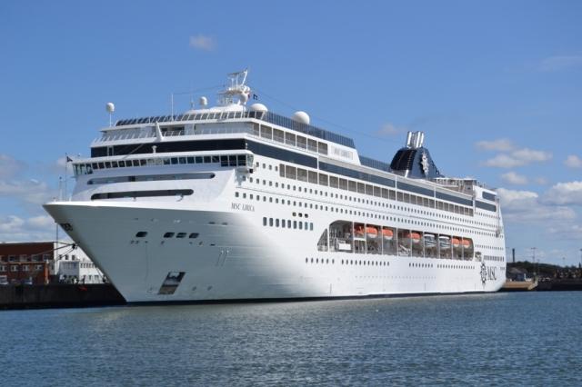 El crucero MSC Lirica