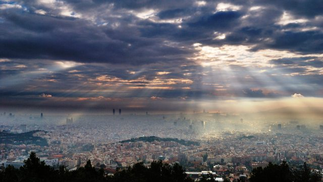 Barcelona vista desde el Observatorio Fabra. Imagen: AlfonsPC - Observatori Fabra