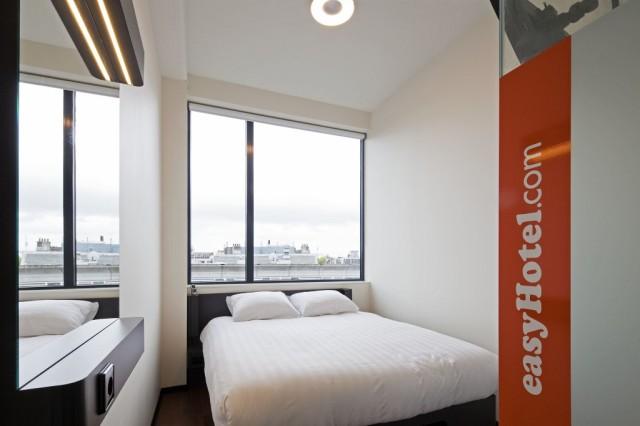 Habitación de un easyhotel.